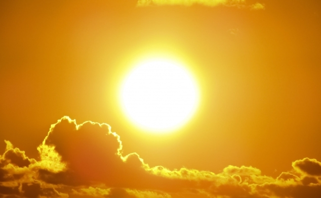Ce suprafata are Soarele?