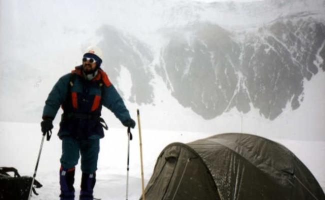 Primul roman care a urcat pe muntele Everest?
