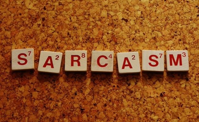 Ce este sarcasmul?