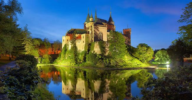 32 dintre cele mai frumoase castele din lume